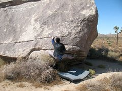 Rock Climbing Photo: Moving off the upper shelf on Press Release (V1), ...