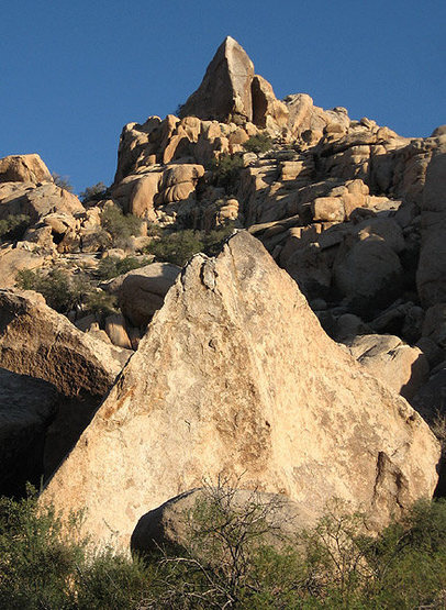 The Bulkhead seen above a triangular boulder in Rattlesnake Wash.<br> Photo by Blitzo.