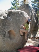 Rock Climbing Photo: Eyeing the top of Flower Pot Right (V1), Black Mou...