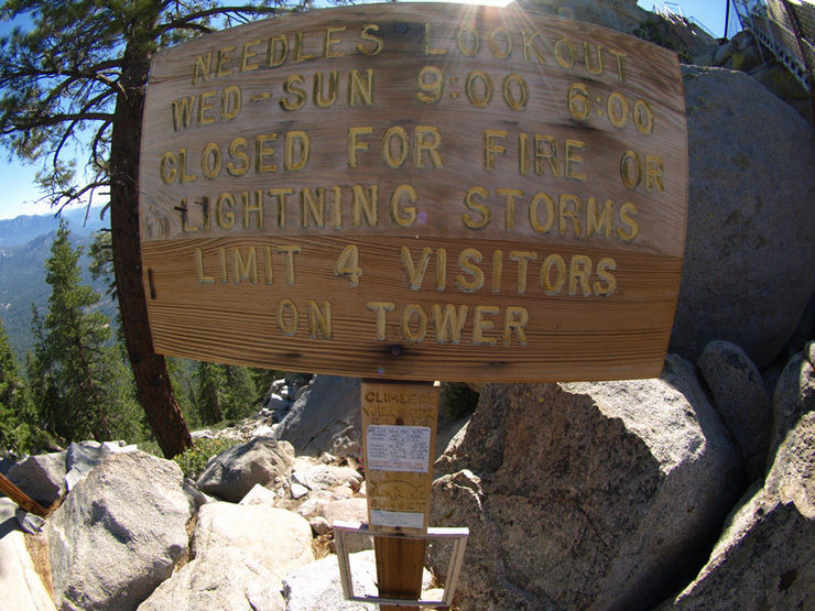 Rock Climbing Photo: Needles lookout sign