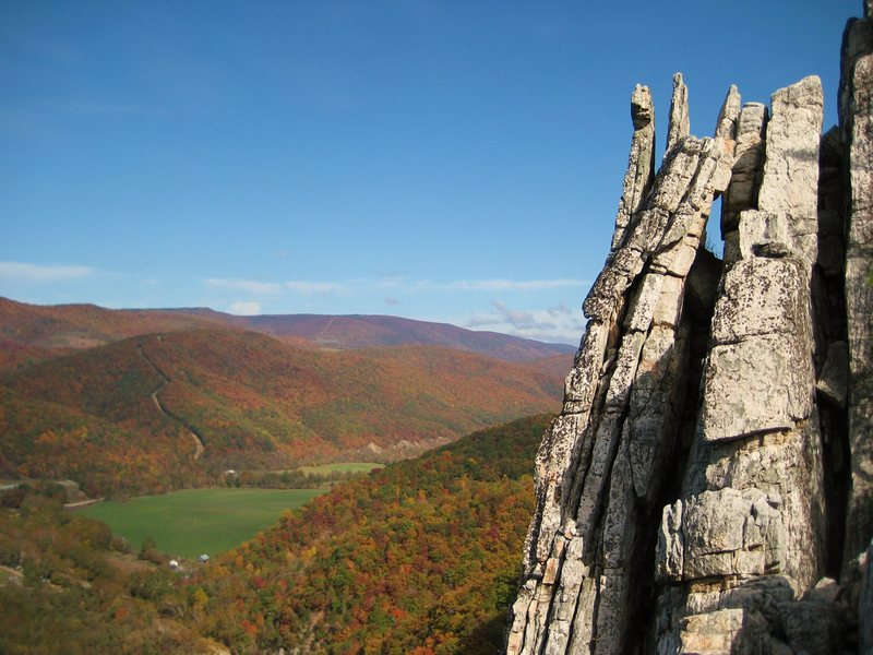 Rock Climbing Photo: Seneca in the fall