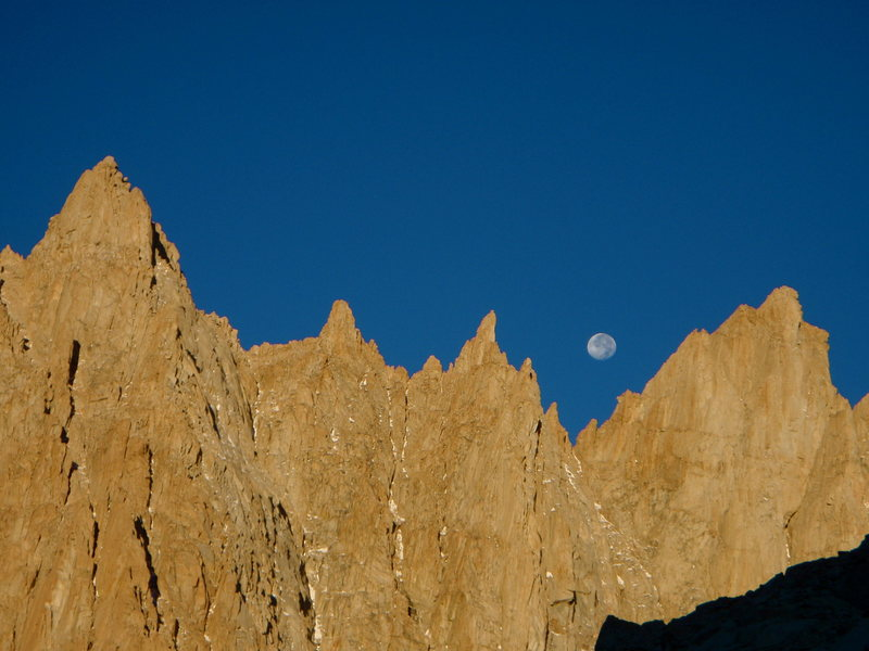 Moonset on the Muir Crest.