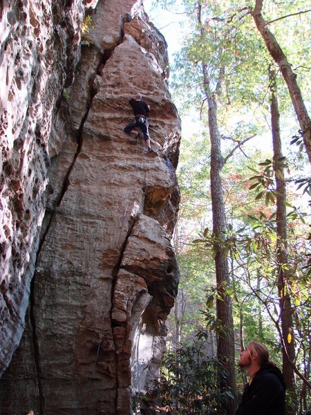 """Rock Climbing Photo: Ben on """"Family Tradition"""" 5.10 on the Vo..."""