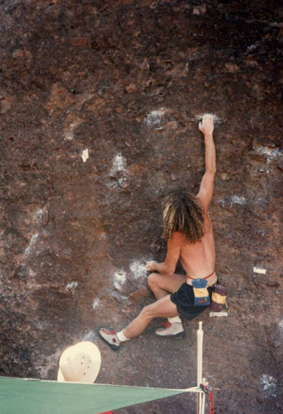 brad smith on another boulder contest problem circa 1985?
