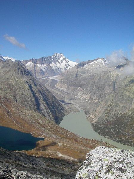 Eldorado, with the Unteraar glacier in the background.