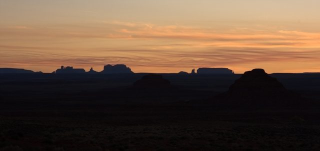 View from Valley of the Gods looking South into Monument Valley.<br> Photo: Dave Fiorucci