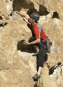 Rock Climbing Photo: Mark leads 5 Gallon Buckets on a sunny October aft...