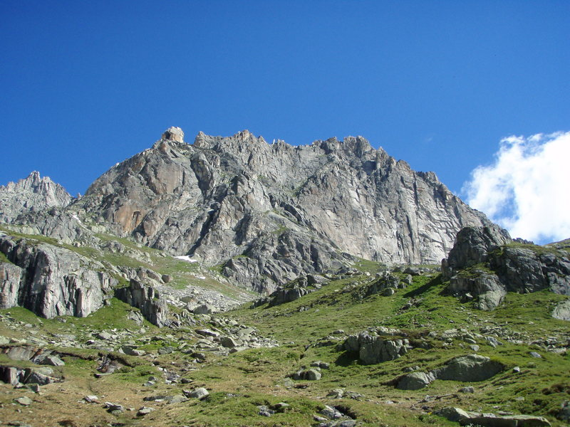 The south face of the Chli Bielenhorn, taken from the approach.