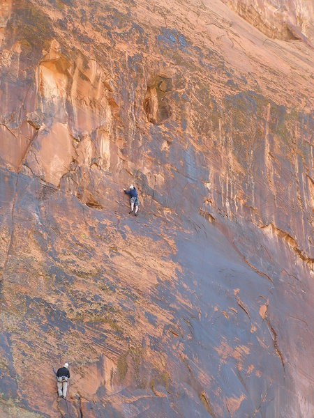 Rock Climbing Photo: P2 ends in the cave at the top of the photo...