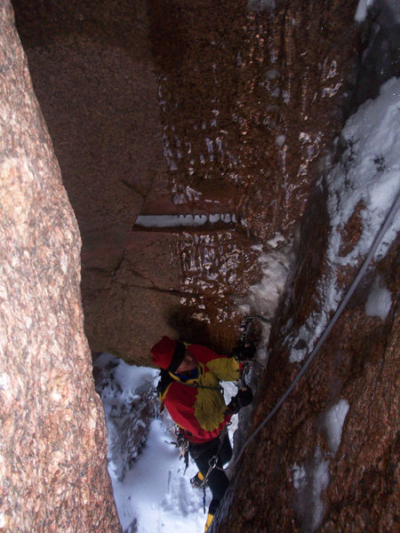 The '90s are back; Erik Wellborn climbing pitch 2 in typical thin conditions.  Photo by Chris Alstrin.