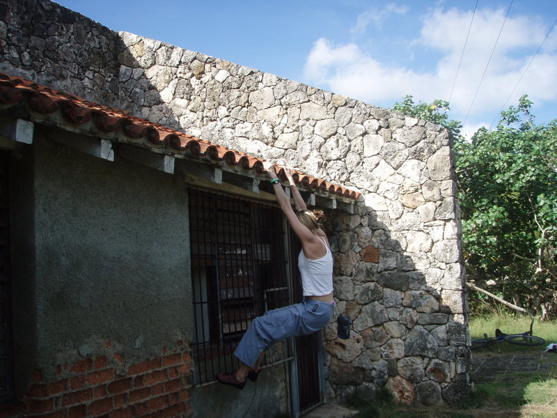 """Buildering"" in Jibacoa, Cuba.  Beware of what you may fall onto..."