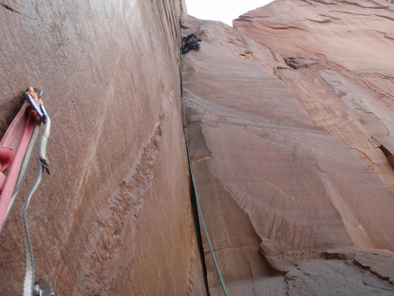 Rock Climbing Photo: Aaron leading pitch 3 and 4