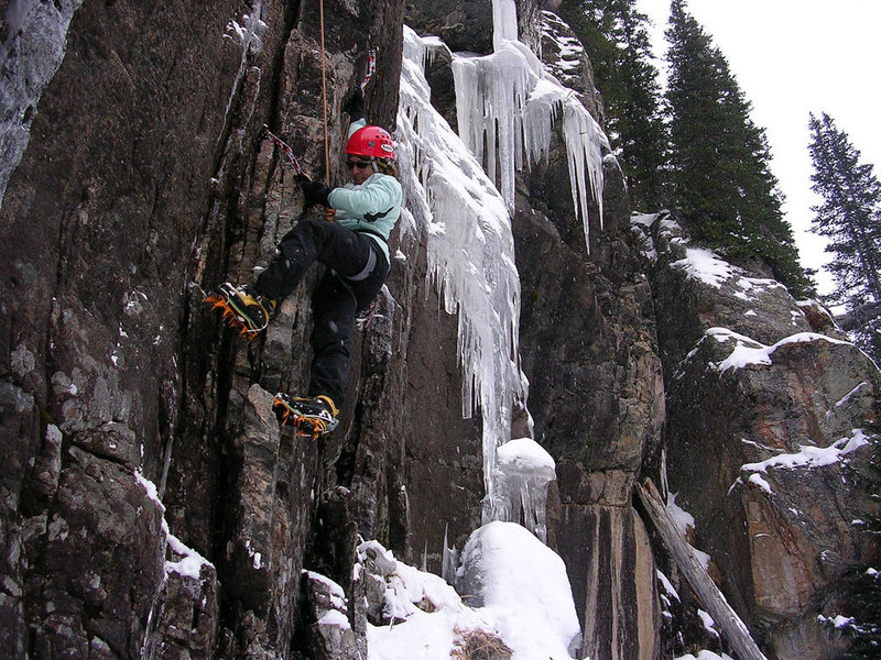 Rock Climbing Photo: Jenn on the M5 hand crack Nov. 12, 2008.