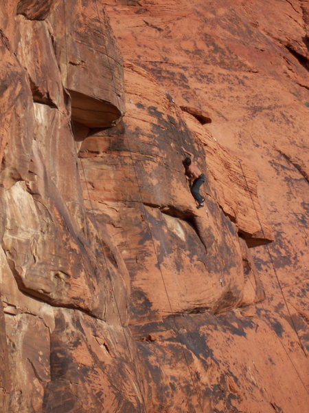 Rock Climbing Photo: Pete finishing up Test of Time (5.10a) at the end ...