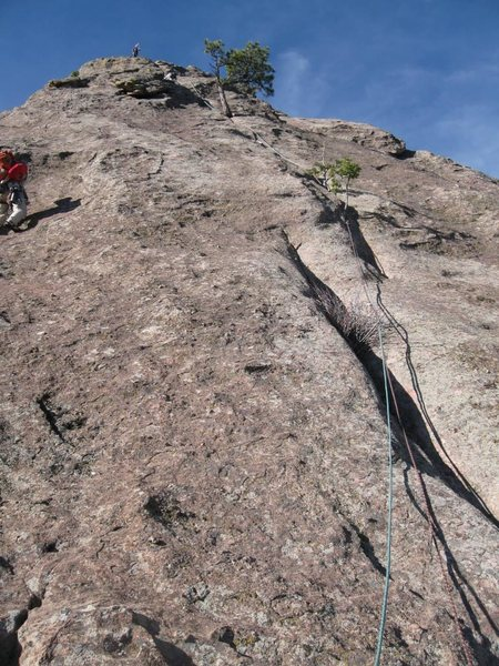 Easier P2 line up the crack, even easier climbing further right.