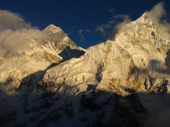 Rock Climbing Photo: Sunset on Nuptse and Everest - from Kala Pattar.