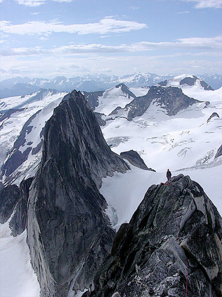 Rock Climbing Photo: Bugaboo Spire traverse - descending Kain Route.
