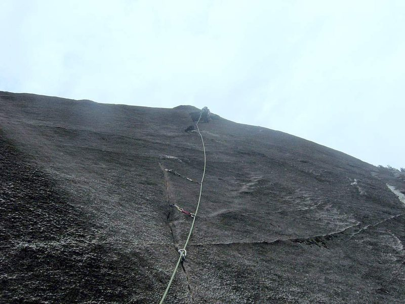 Onsighting 2nd pitch on first ascent