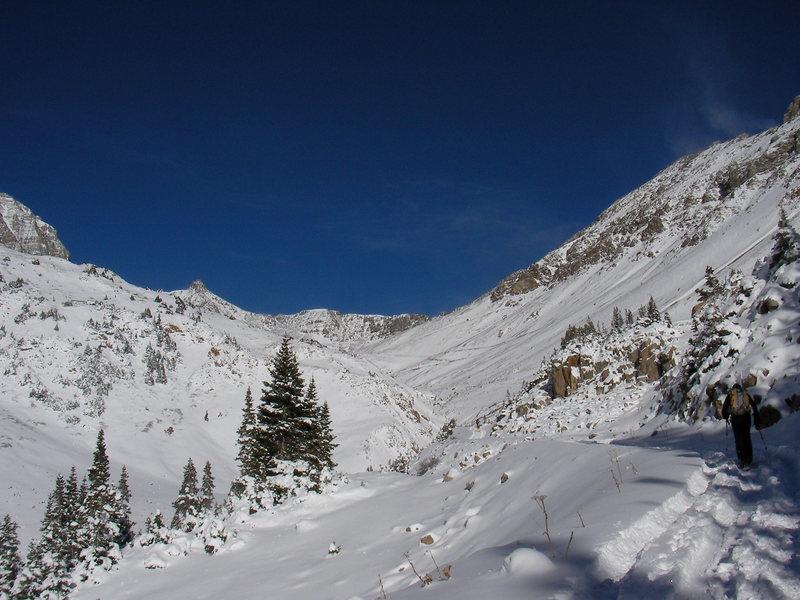 Rock Climbing Photo: Jeff Barnow on the approach to Castle Peak Elk Ran...