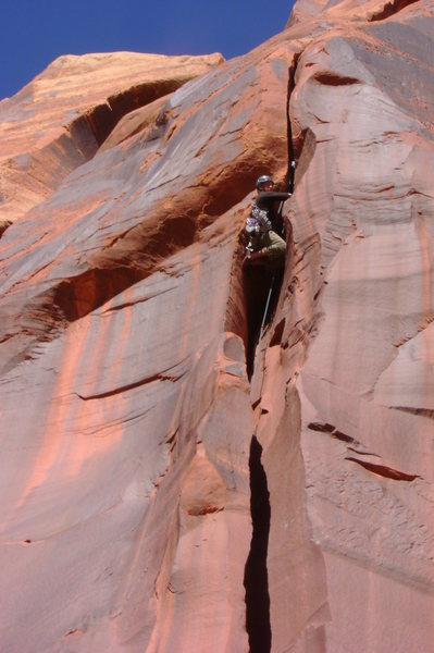 Double kneebars and double fist jams on the crux bulge. Sweet!