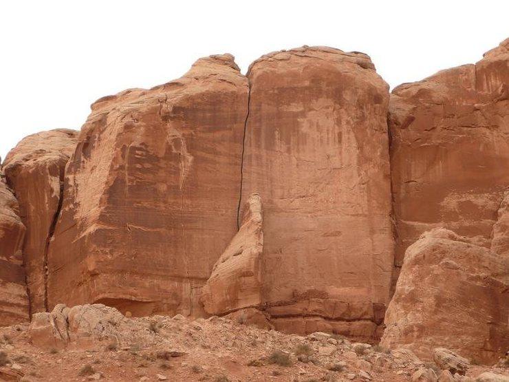 Rock Climbing Photo: An epic offwidth in Bluff, UT.