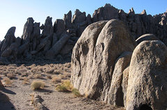 Rock Climbing Photo: The Ghosts-Autumn morning. Photo by Blitzo.