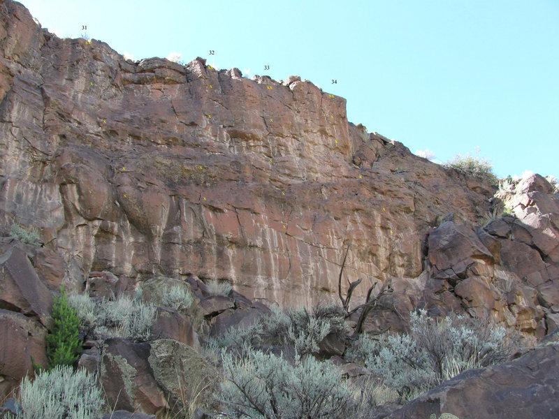 Rock Climbing Photo: Excellent short sport  (relative bolt locations). ...