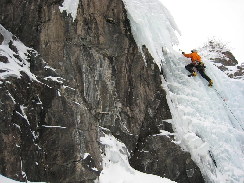 Rock Climbing Photo: Finishing the top of the first section on this rou...