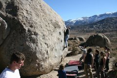 Rock Climbing Photo: The Tut Boulder on the busy Thanksgiving weekend.