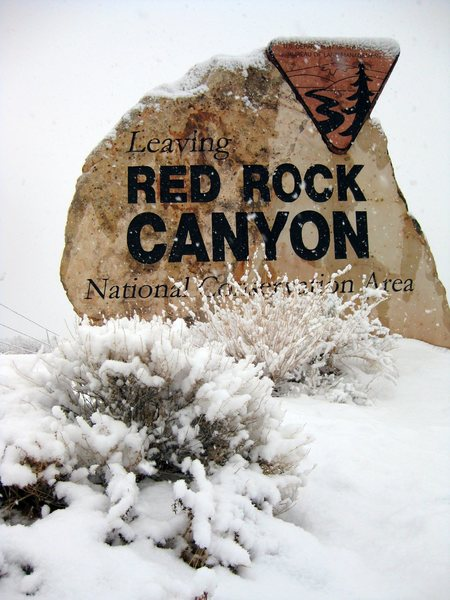 Red Rock Canyon getting blasted with snow. Sorry visiting climbers.<br> <br> Taken 12/17/08