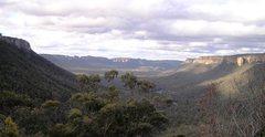 Rock Climbing Photo: The beautiful Wolgan Valley. Three hours' drive fr...