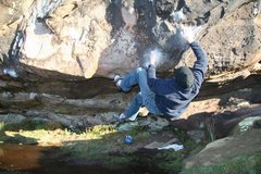 Rock Climbing Photo: Mike completing the crux section of the Cave Right...