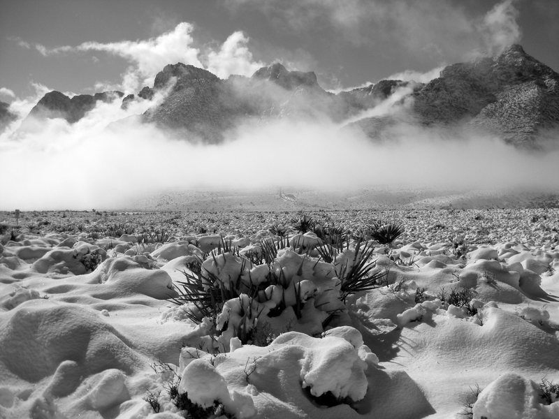 Rock Climbing Photo: Clouds, and unusually heavy snowfall in Red Rock C...