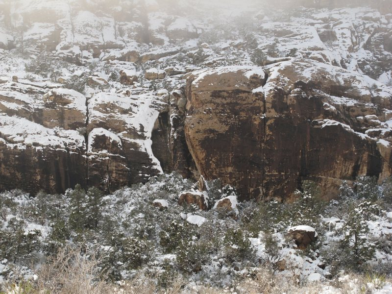 Snow at Ragged Edges. Willow Springs, Red Rock. Dec 18, 2008.