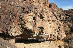 Rock Climbing Photo: Soweto Boulder West Face Topo