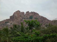 Rock Climbing Photo: Cliffs, boulder-strewn hillside . . . Hampi, India...