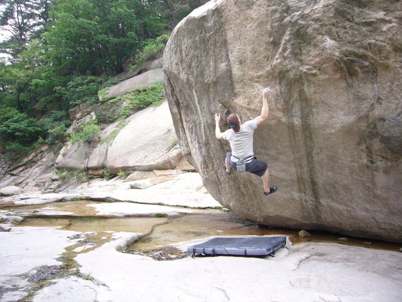 Rock Climbing Photo: An unnamed V10/11 at the River Bed boulders(RB's) ...