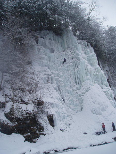 Rock Climbing Photo: Upper Gorge, climbs in view Salmon Ladder, Don't C...