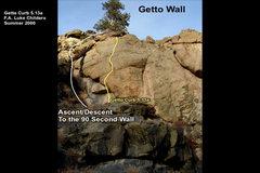 Rock Climbing Photo: Climb up the left-facing arch onto a block stuck i...