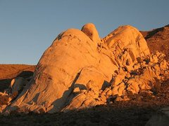 Rock Climbing Photo: Saddle Rocks aglow just before sunset, Joshua Tree...