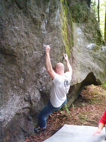 Rock Climbing Photo: Andrew Itkonan on Sleight of Hand V5