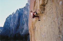 Rock Climbing Photo: Surmounting the low roof on Dreamin'.