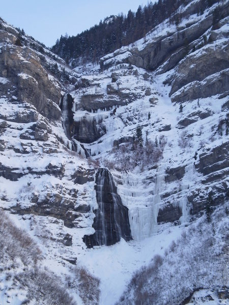 Rock Climbing Photo: (12-17-09) Bridal Veil Falls, BV Left, BV Right, &...
