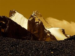 Rock Climbing Photo: Unnamed and unclimbed rock towers (<6000 meters...