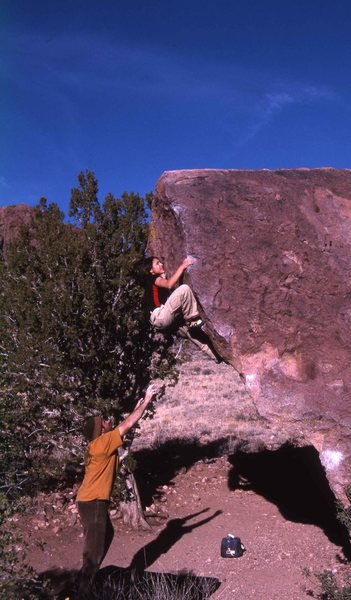 Rock Climbing Photo: Von Anaya on the NW arete V1ish of the Unbeatable ...