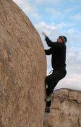 Rock Climbing Photo: Trying to stay warm on Peabrain (V4), Joshua Tree ...
