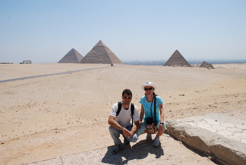 Look at those perfect slabs!<br> Tony and Leigh, in Giza, 2007.