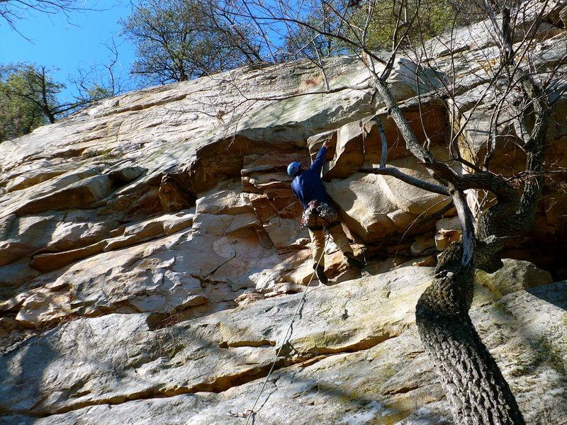 Rock Climbing Photo: Pulling the roof on Strange Fruit, Jamestown, AL.