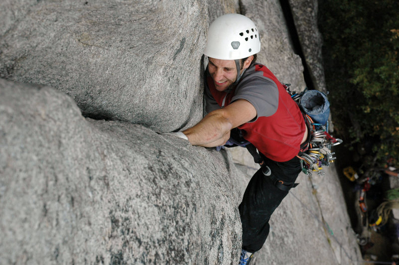 Chris Vultaggio leads the title route at Five and Dime in Yosemite.<br> <br> Photo by Bill Roehrich