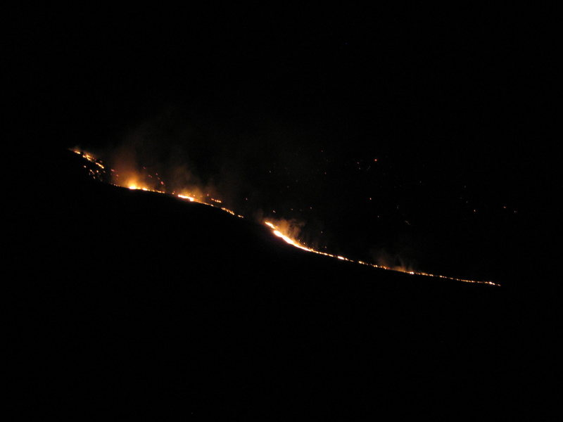 Rock Climbing Photo: The fire is less than a mile from the north edge o...